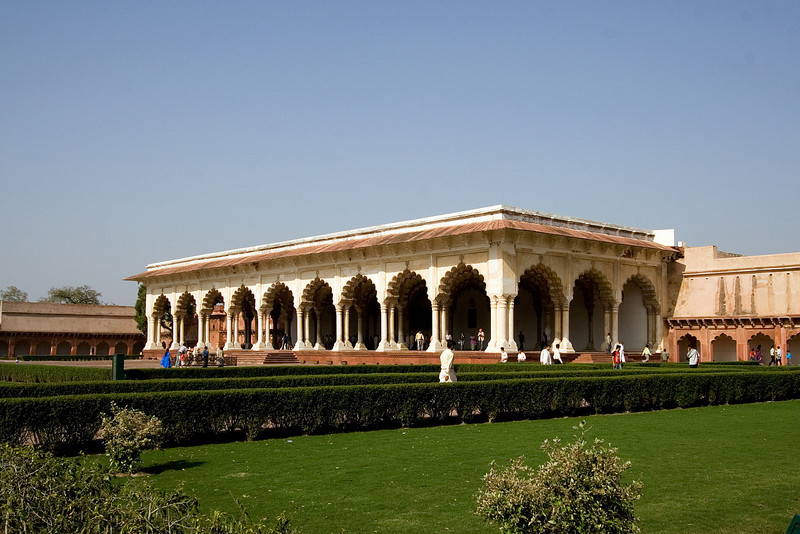 Palace inside the Fort.jpg