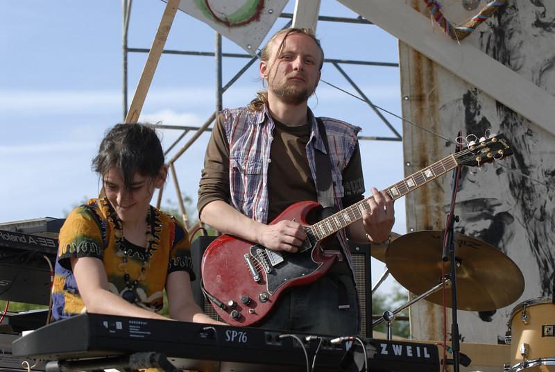 070611 6760 Russia - Moscow - Empty Hills Festival _E _P ~E ~L.JPG