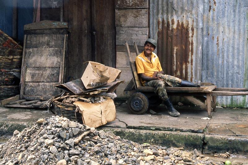 bluefieldsman&cart.jpg