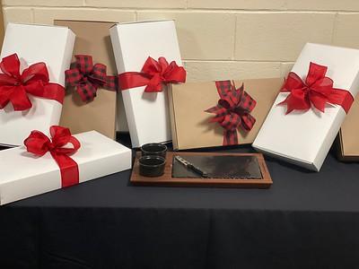 Monty Tech charcuterie tray gift set