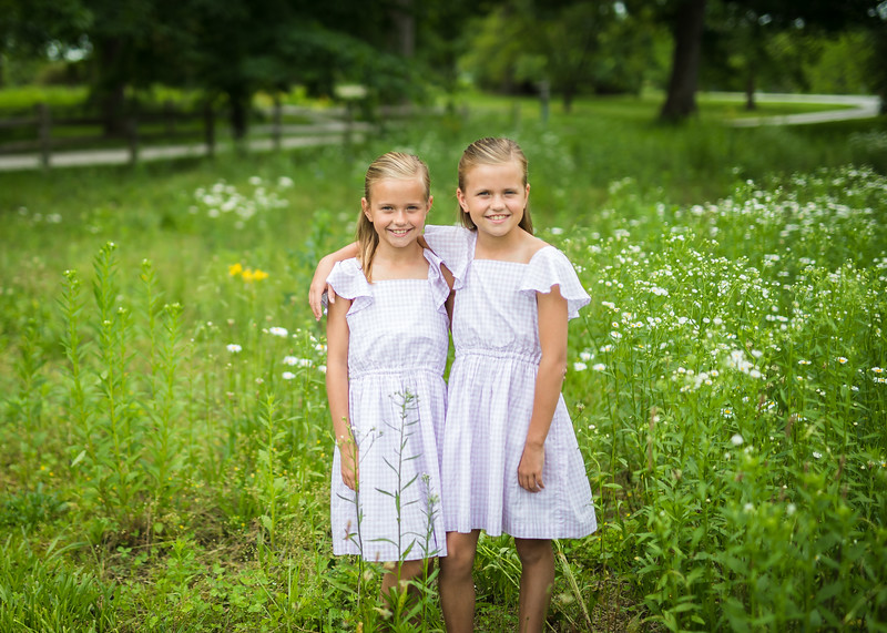 Girls in Tall Grass (6 of 6).jpg