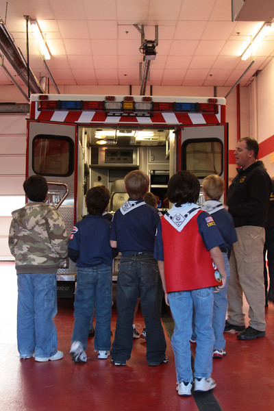 091203_Scouts_FireStation_0012.JPG