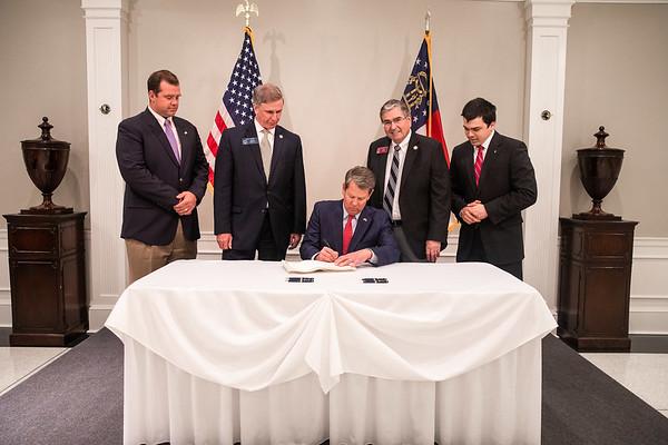 05.02.19_Bill Signing at the Mansion