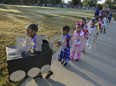 students-celebrate-their-favorite-literary-characters-with-storybook-parade-at-clarkston-elementary