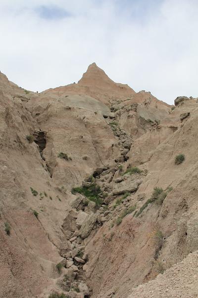 20140523-097-BadlandsNP-SaddlePassTrail.JPG
