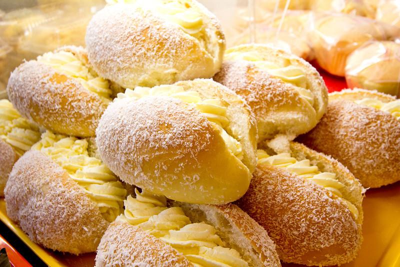 TastyTour chinese cream buns.jpg