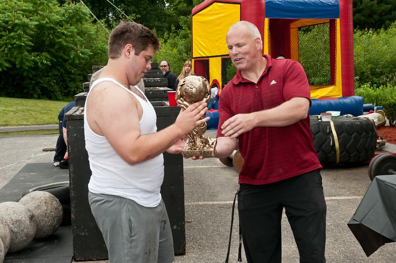Fitness Revolution Strongman Challenge 2011_ERF4613.jpg