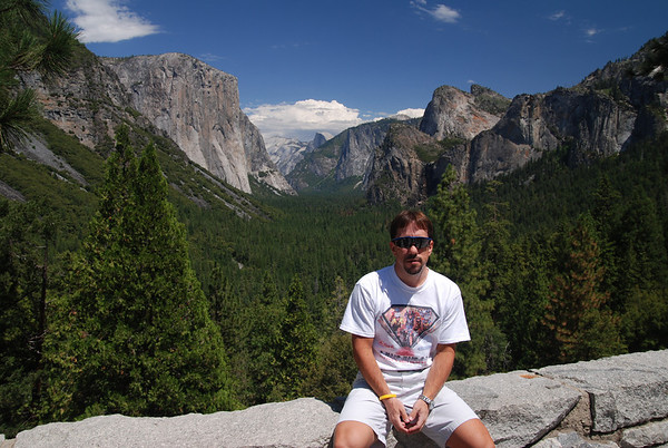 Yosemite Nat'l Park - Tunnel View