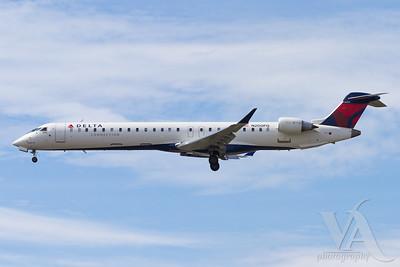 CRJ-900