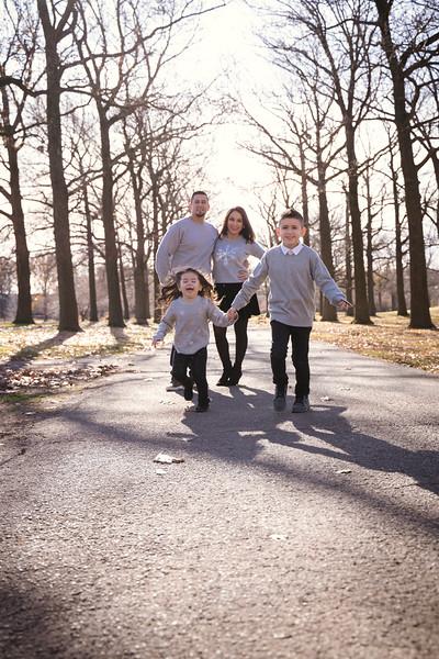 Brenda-Family-Christmas (11 of 46).jpg