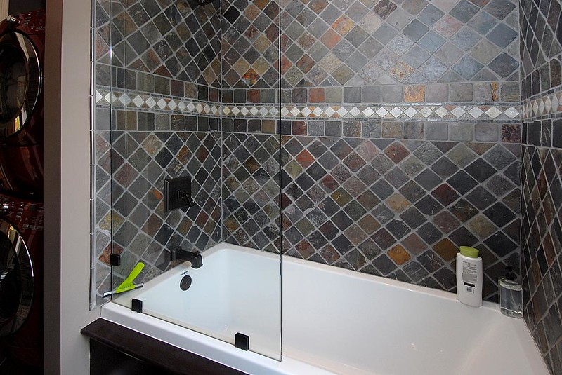 bathroom1_1200.jpg