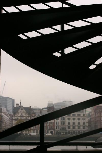 across-the-thames---silhouette_2090286294_o.jpg