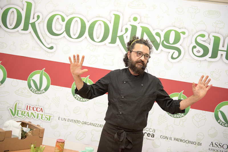 lucca-veganfest-cooking-show_4001.jpg