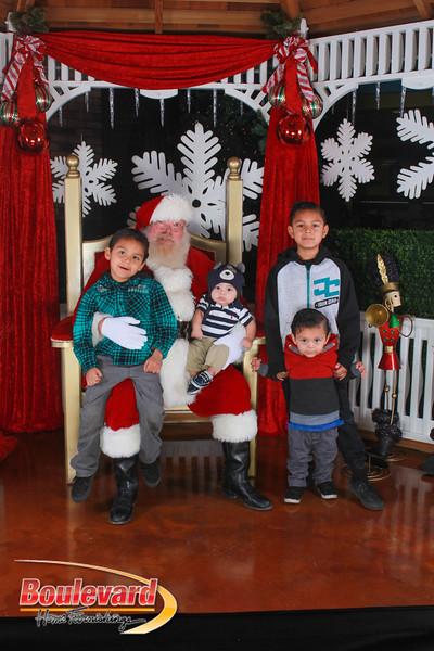 Santa 12-17-16-279.jpg