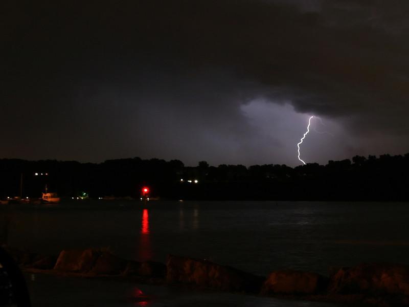 lightning_irond_01_4x3_07232008.jpg
