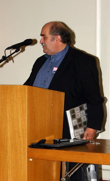 Hermenegild Heuberger, Gestalter und Mitredaktor der Heimatkunde, verdankt die Ernennung zum Ehrenmitglied.