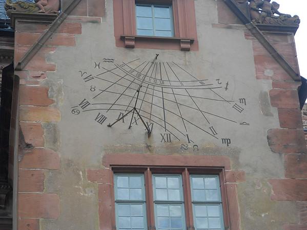 Clock-at-Heidleberg-Castle2.jpg
