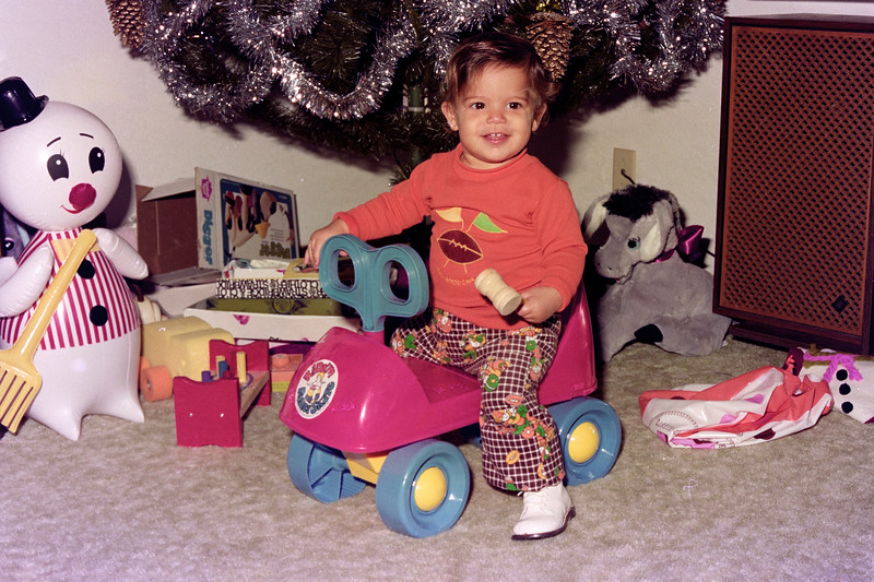 1975-12-30 #9 Anthony's 1st Birthday.jpg