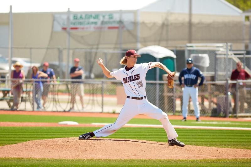 2016_UWL_Baseball_Regionals_026.jpg