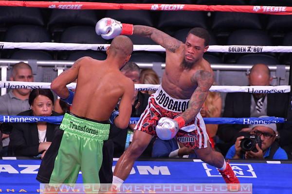 Lamont Roach Defeats Alberto Mercado by Unanimous Decisoin