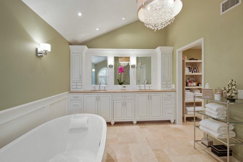 Master Bathroom 3.jpg