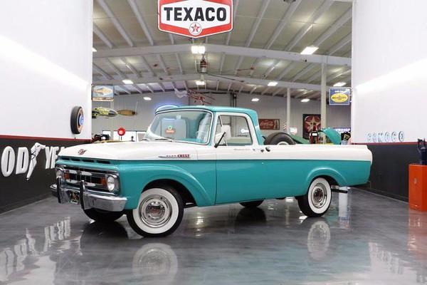 1961 Ford F-100 Custom Cab