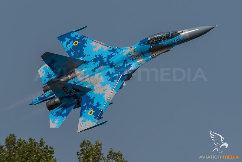 Ukraine Air Force 831st Brigade / Sukhoi Su 27-UB1M Flanker / B-1831M1 71 Blue