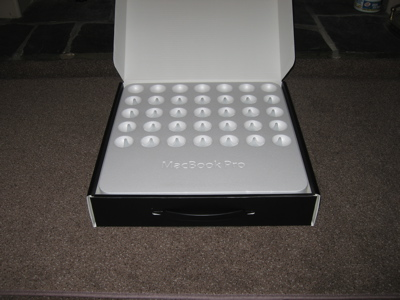 2006.02.21 Tue - MacBook Pro box opening pics