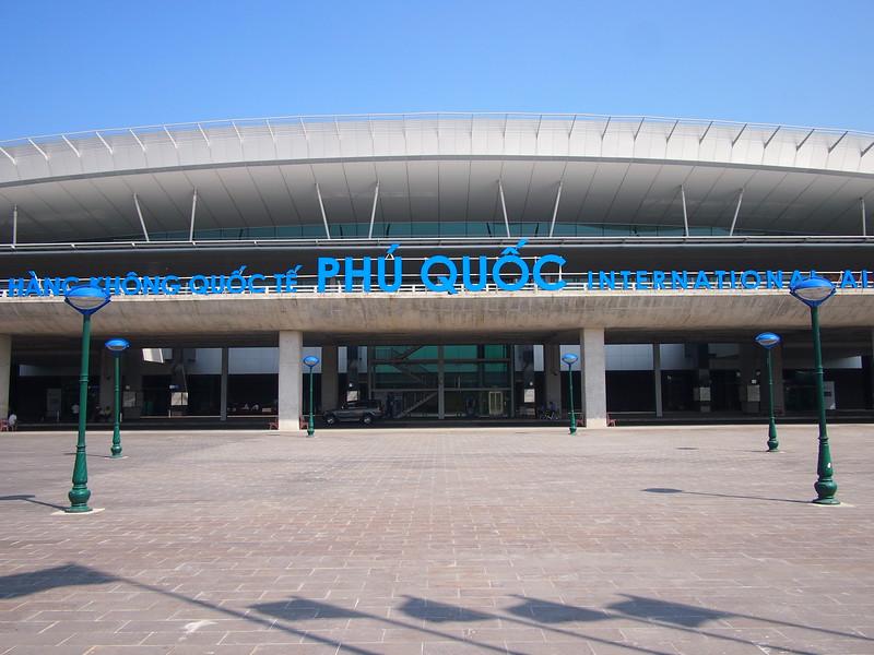 P2017358-phu-quoc-international-airport.JPG