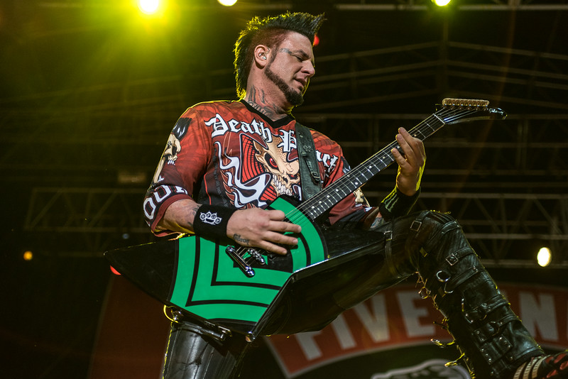 Five Finger Death Punch - Fort Rock Day 1 4/30/16