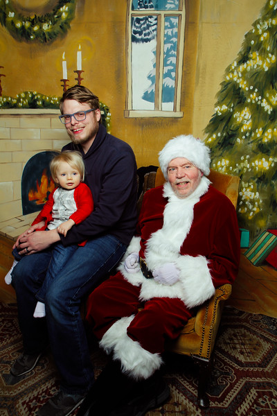 Pictures with Santa Earthbound 12.2.2017-066.jpg