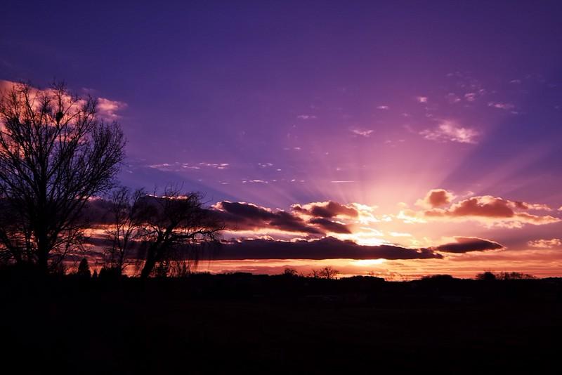 Full spectrum západ slunce v nepravých barvách