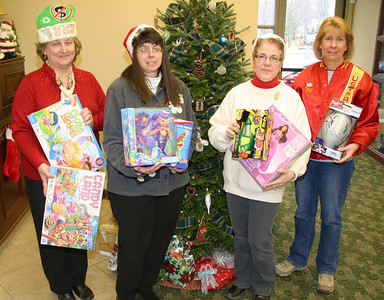 Toys For Tots Donation, Mauch Chunk Trust, Hometown (12-14-2011)
