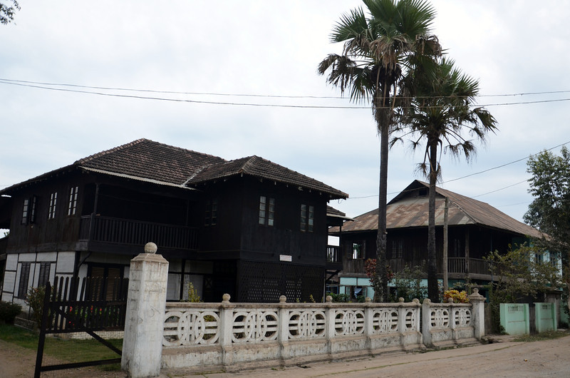 DSC_4838-old-teak-houses.JPG