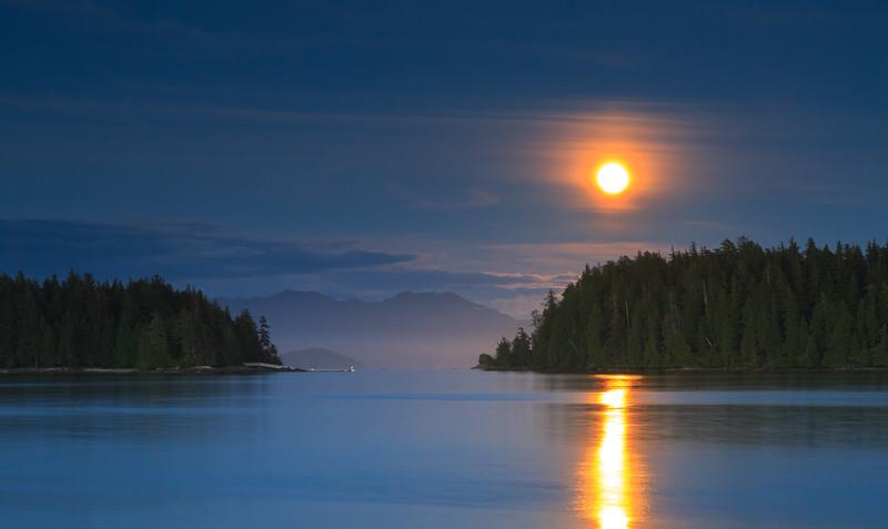 Moonrise over Barkley Sound-1879.jpg