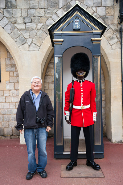 Windsor Castle guard and dad
