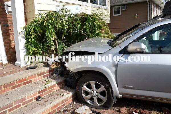 BETHPAGE FD CAR VS HOUSE