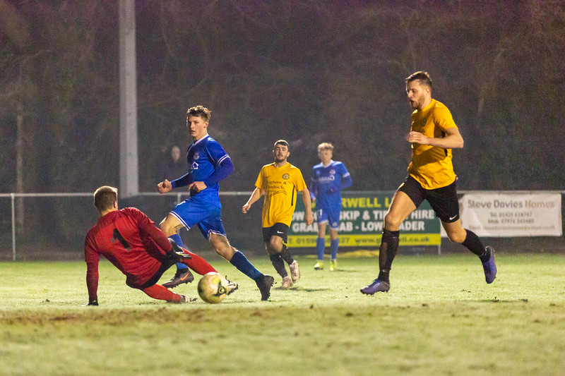 Bashley v Eastleigh-21.jpg