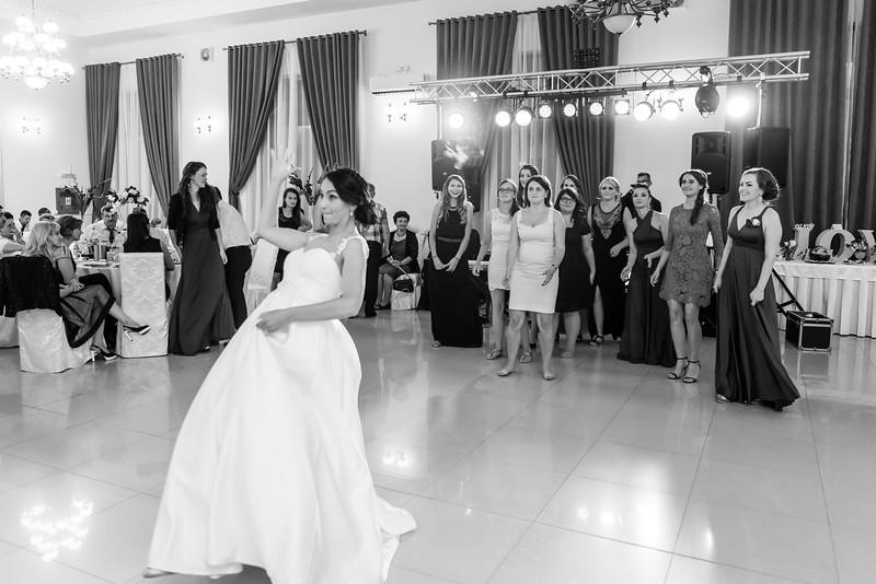 Roxi&Vasi-wedding-previews-57.jpg