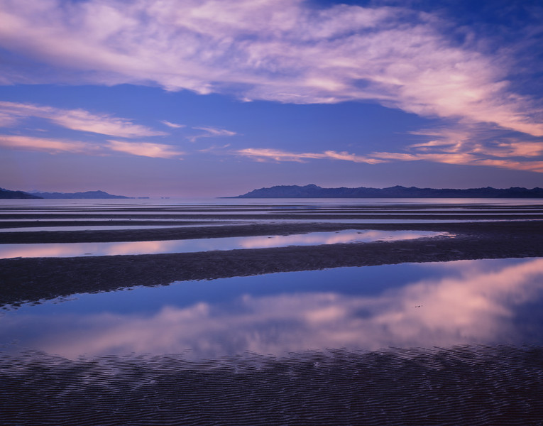 Baja California Sur, Mexico / Bahia Concepcion at low tide with reflected cloud patterns in the morning light. 32006H4