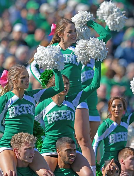 cheerleaders0730.jpg