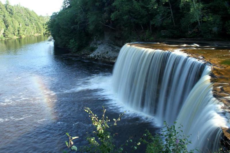 visit michigan for amazing waterfalls