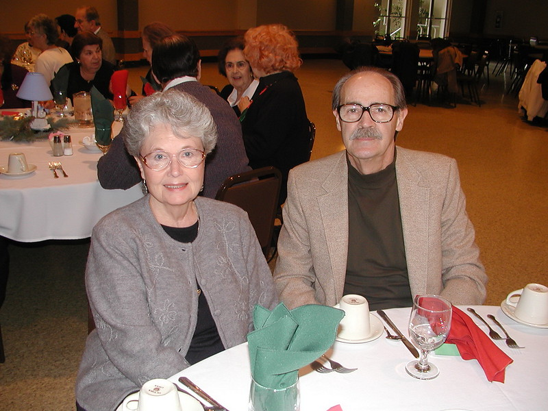 2002-12-12-Philoptochos-Senior-Citizens-Luncheon_011.jpg