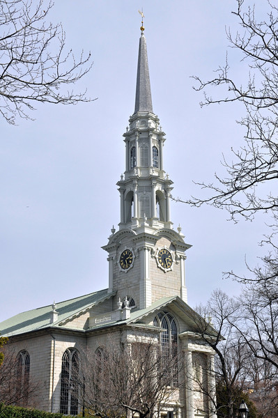 This was another beautiful building with a very nice steeple.  It is the First Congregational Church in America; established 1720.