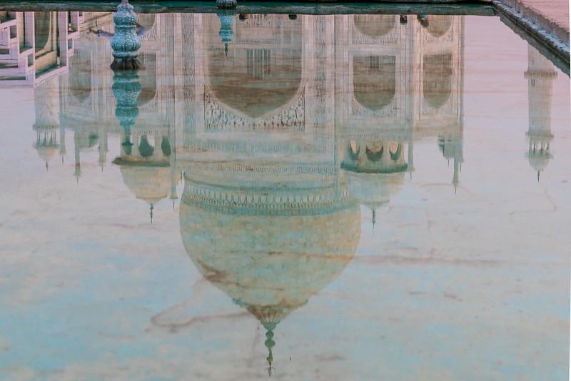 Taj-Mahal-1422-HDR.jpg