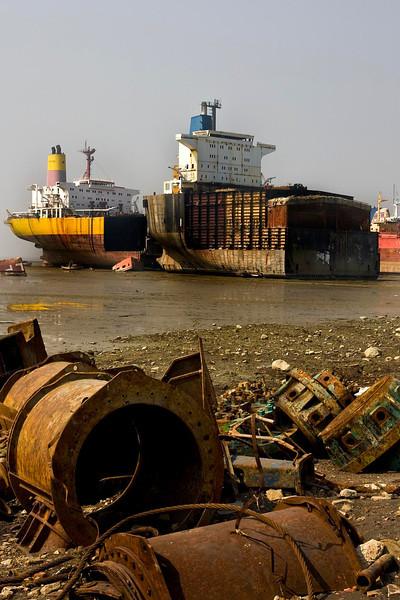 ShipbreakBhatiari.jpg