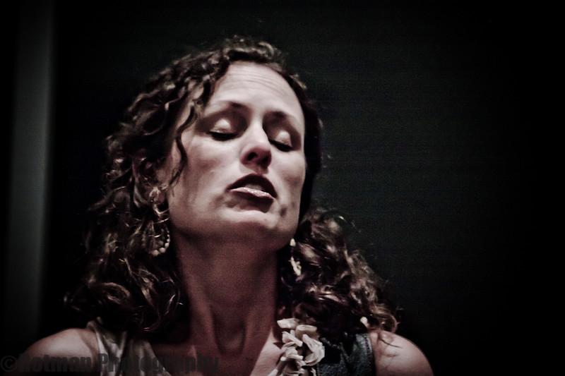 Beth Wood Live-7916.jpg