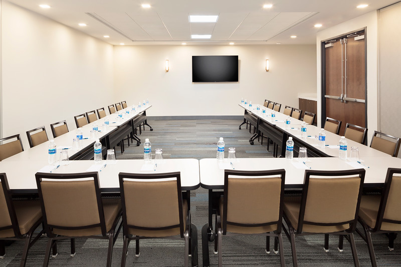 47-Meeting Room-HH Frisco.jpg