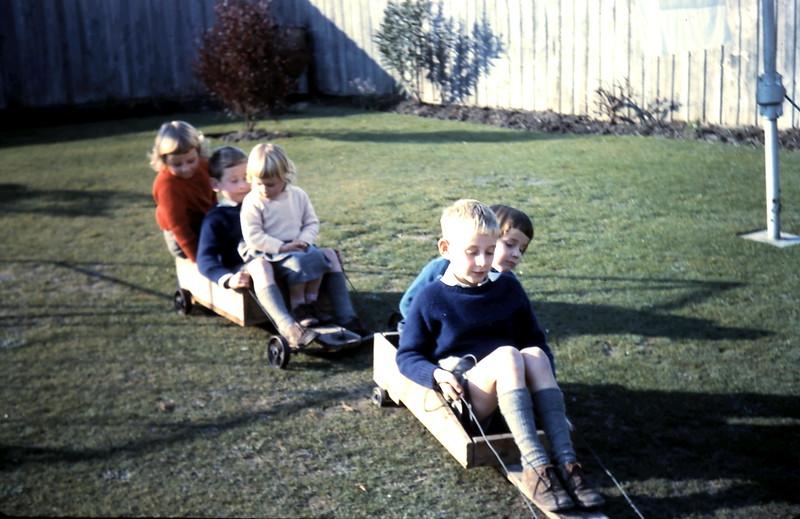 1960-7 (16) Joanne 5, Chris 6, Debbie 3, Louise 4 & Alex 8.JPG