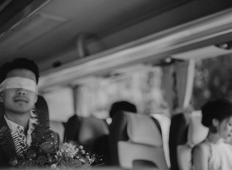 Tu-Nguyen-Destination-Wedding-Photography-Elopement-Vietnam-Pali-Louis-w-61bb.jpg